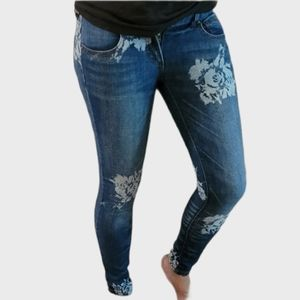 FREE PEOPLE GREAT COND WHITE FLOWER SKINNY STRETCH